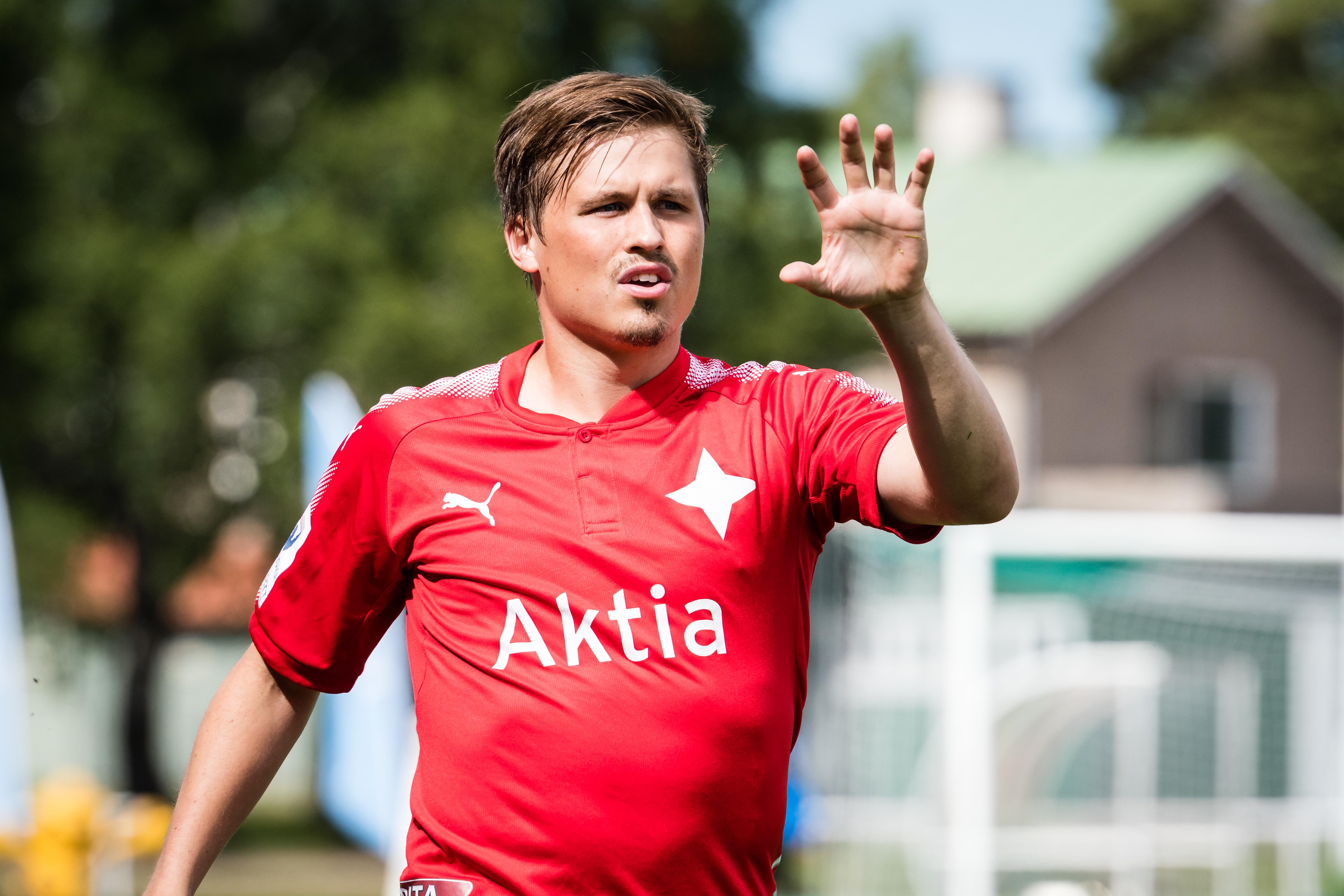 Matias Hänninen fortsätter i HIFK