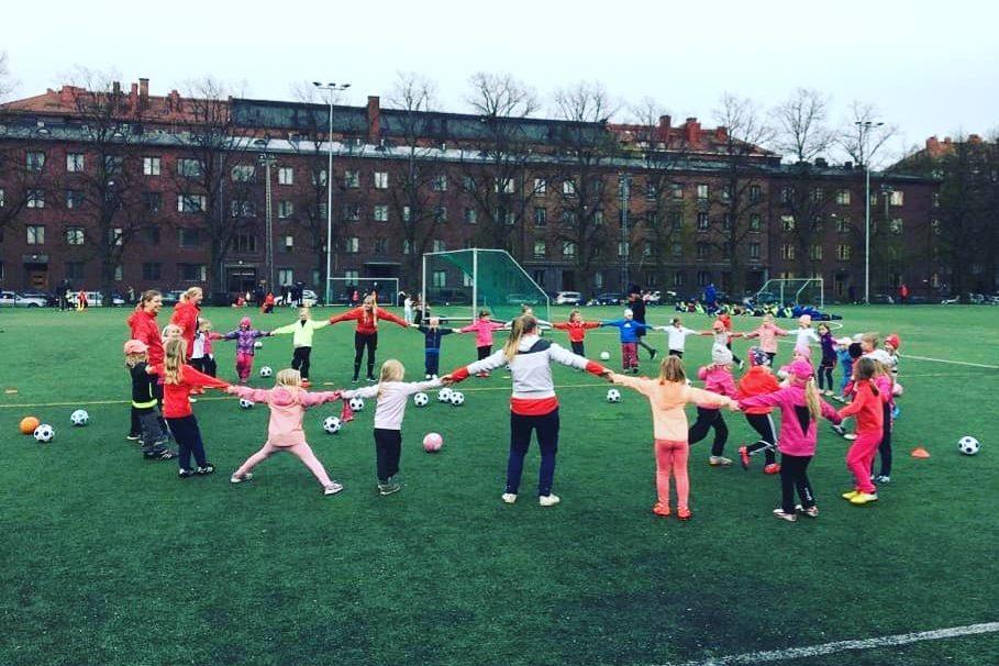 HIFK Fotboll perustaa uusia ryhmiä 2012-2015 syntyneille tytöille