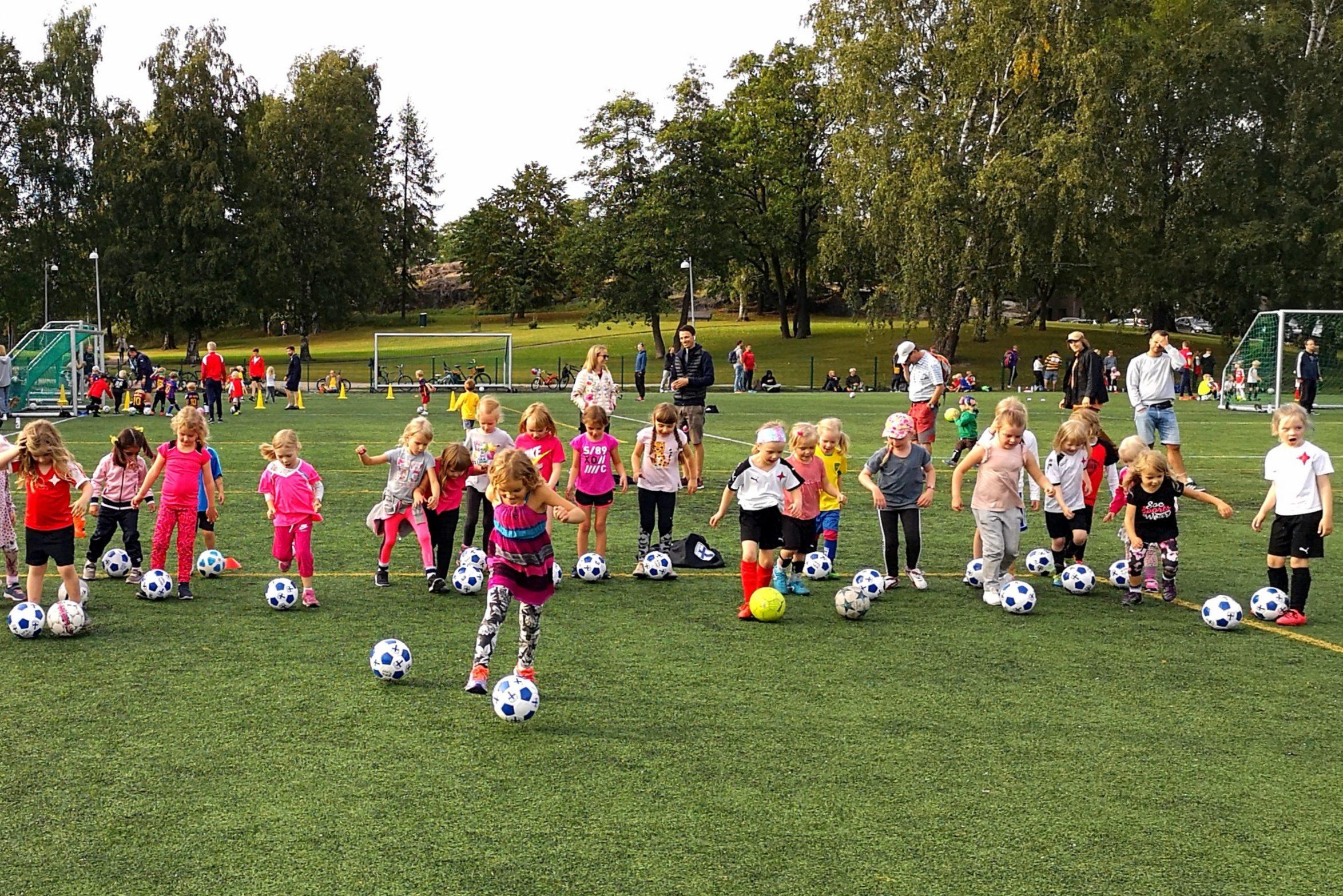 Valmentajaksi HIFK Fotbollin tyttöjoukkueeseen