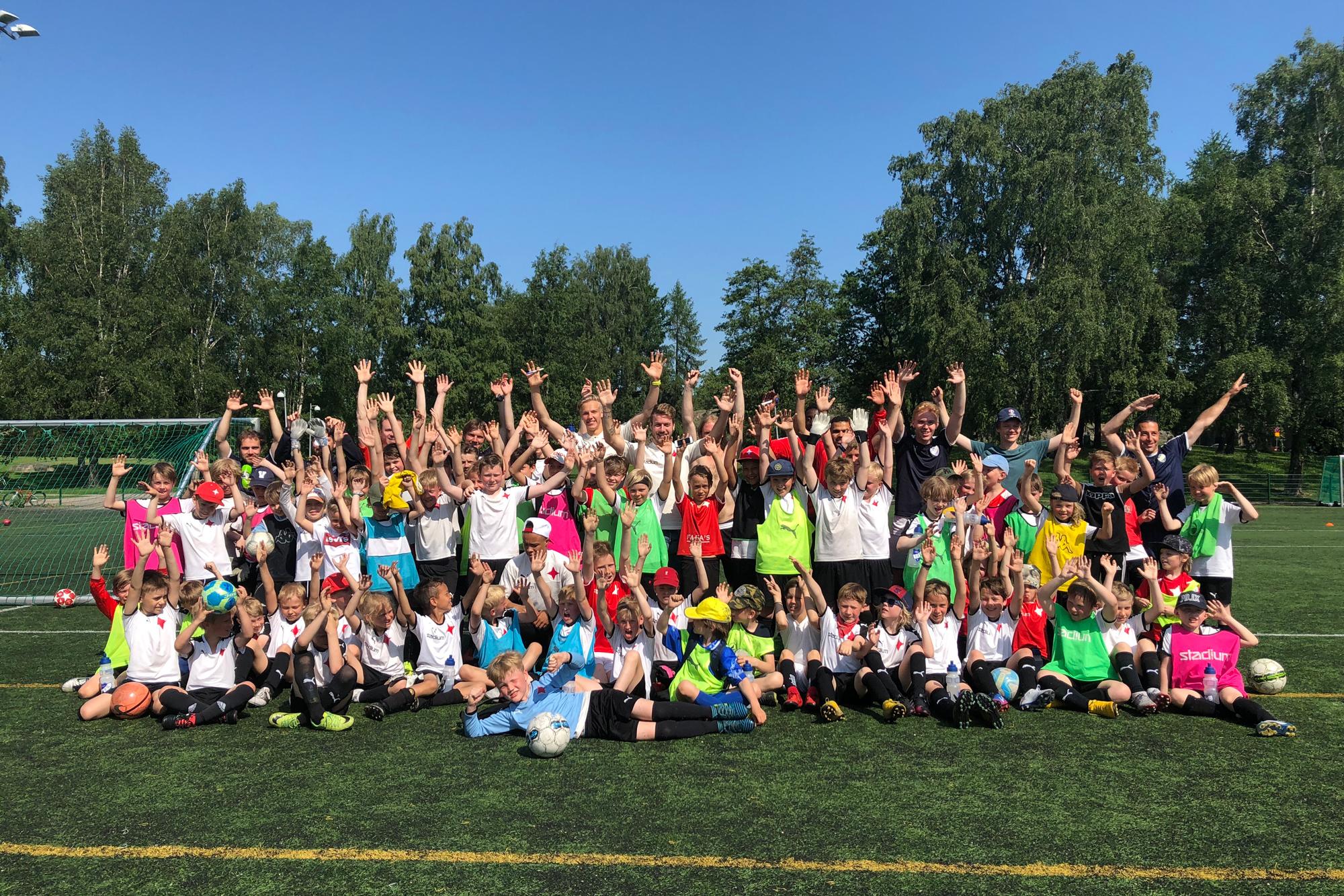Åke Lindmans fotbollsskola ordnas två gånger inkommande sommar
