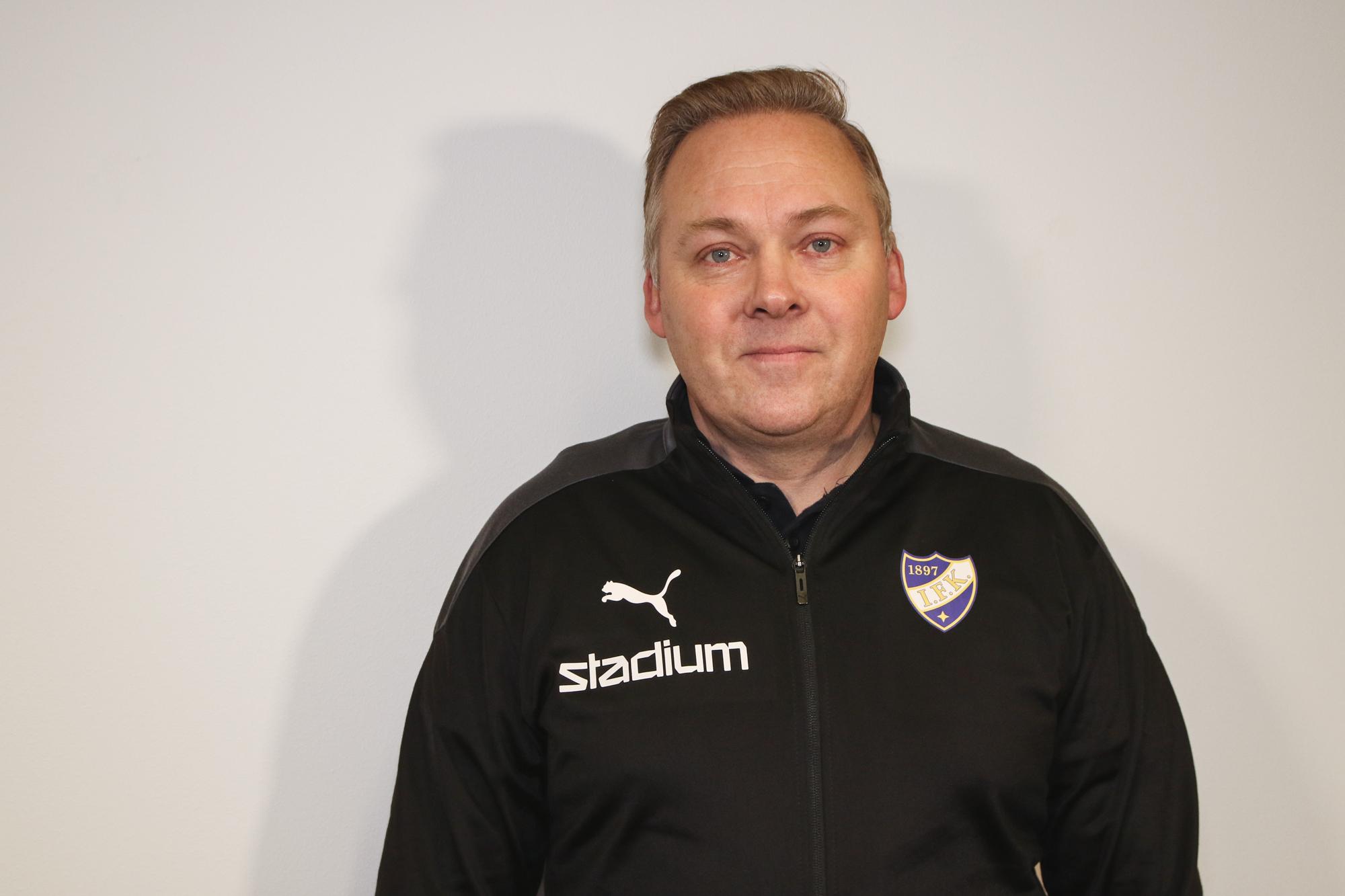 Timo Lanki ny chefstränare för damernas representationslag