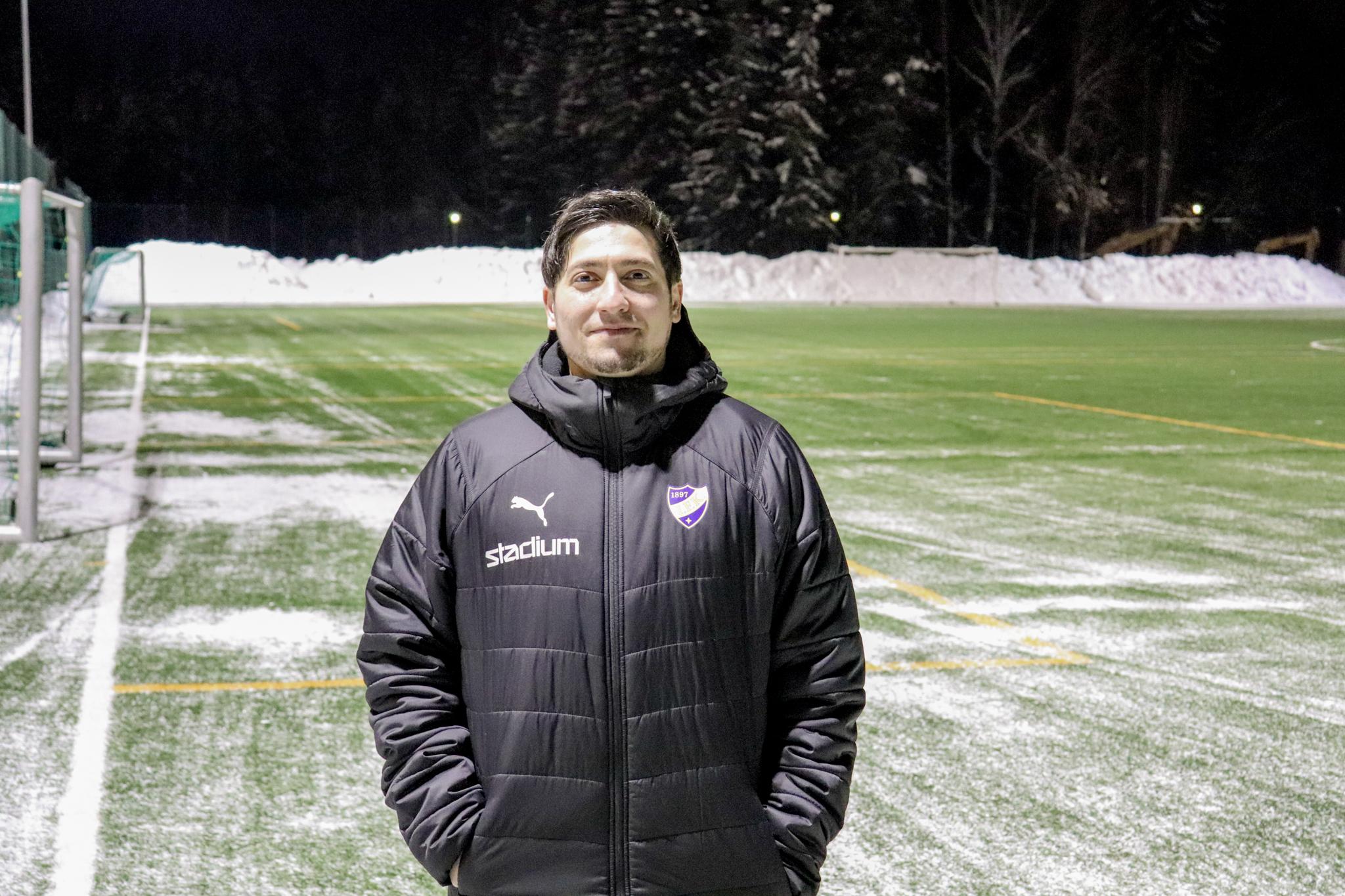 HIFK:s Umid Dibachy deltar i Bollförbundets UEFA A-utbildning
