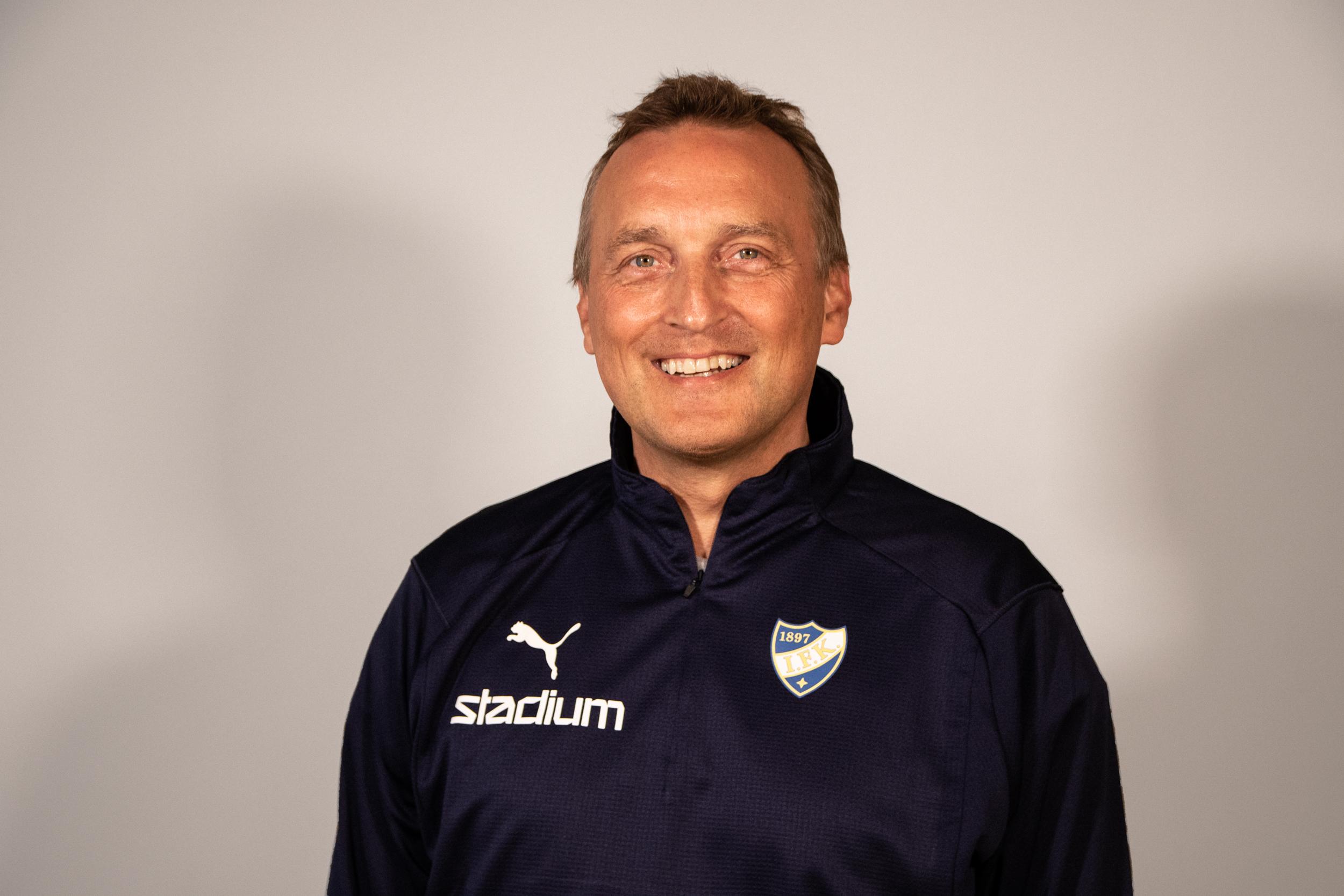 TIEDOTE: Jani Niemisestä HIFK/Redin uusi päävalmentaja