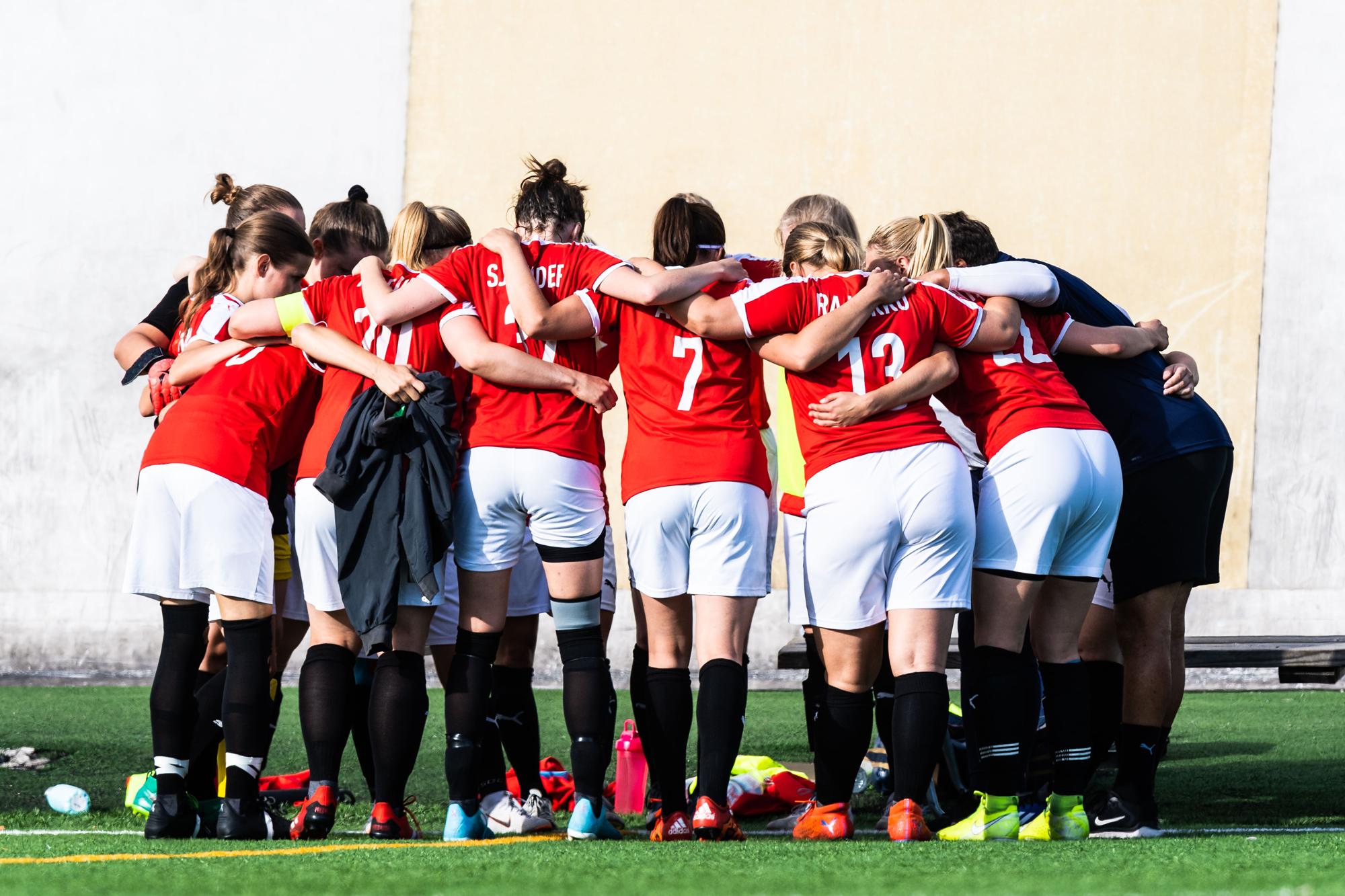 Tule pelaamaan futista HIFK:n uuteen naisjoukkueeseen